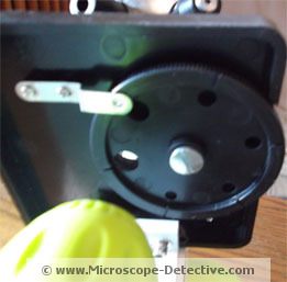 Disc diaphragm of the TK2 Scope www.microscope-detective.com/microscope-for-kids.html